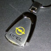 Брелок Опель (Opel) на ключи авто, овальный, металл. Авто брелки на подарок.